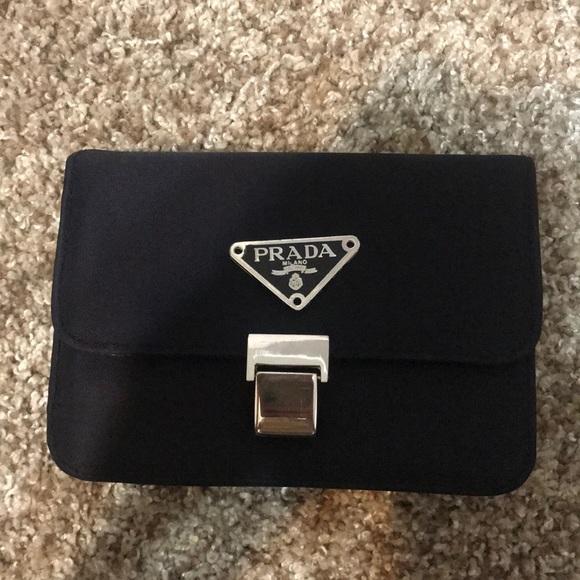 Prada Bags   Bag   Poshmark f462ddd7bb